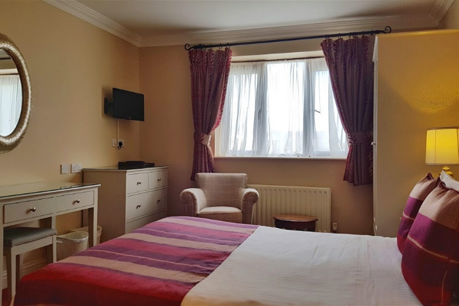 Moorings deluxe room